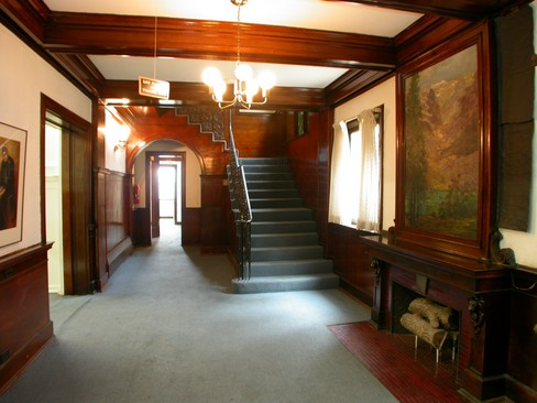 Real Estate Photography - 4506 N Sheridan Rd, Chicago, IL, 60640 - Foyer