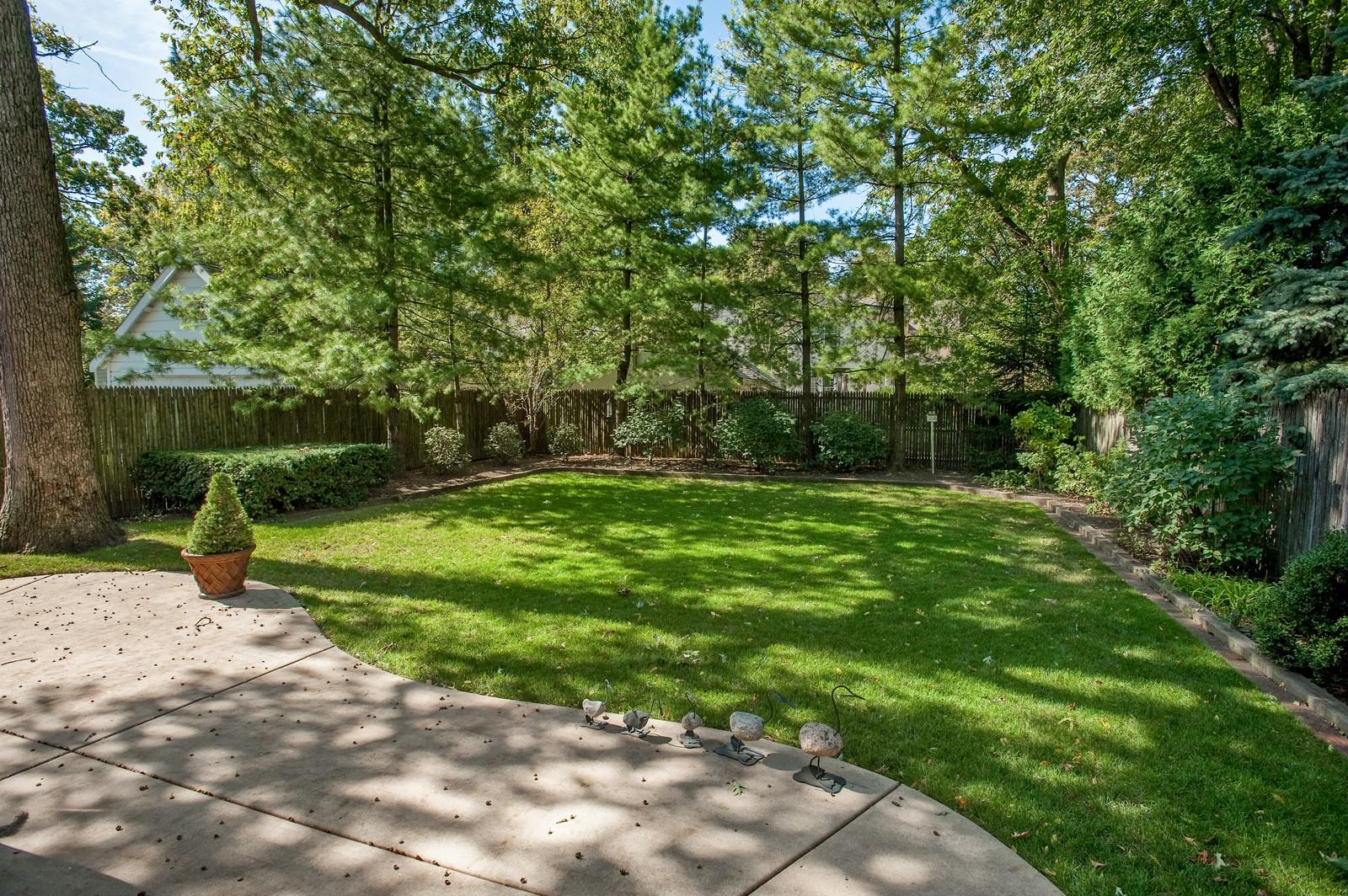 Real Estate Photography - 784 Lincoln Avenue, Winnetka, IL, 60093 - Back Yard