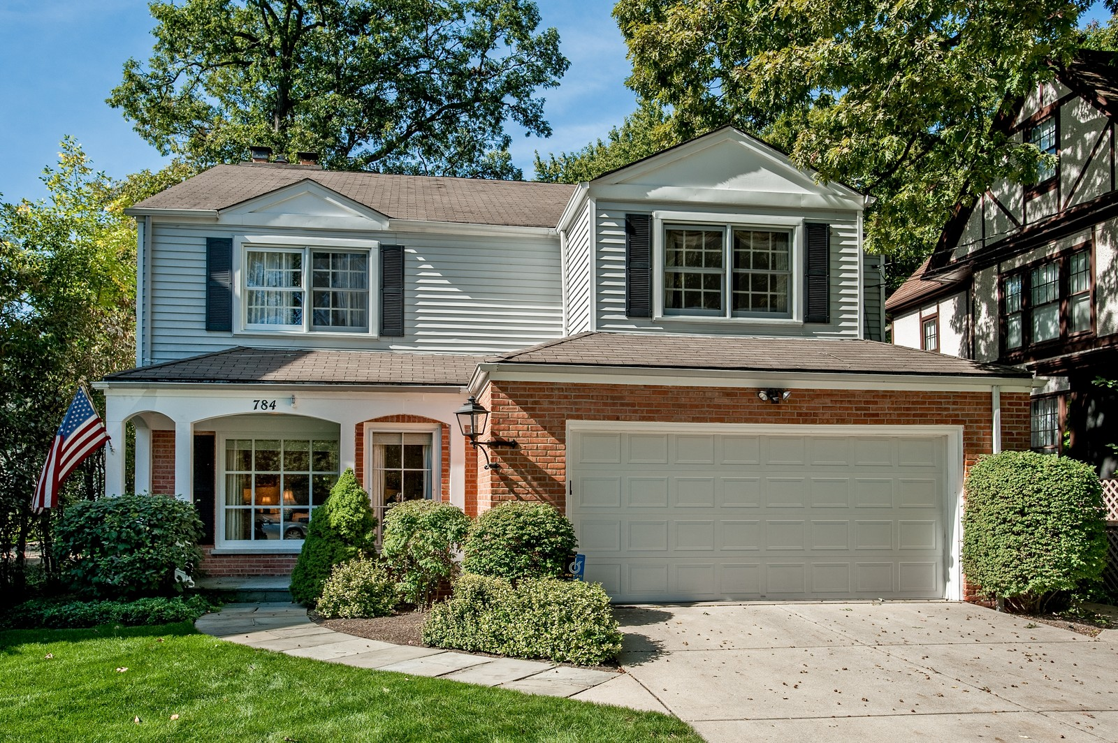 Real Estate Photography - 784 Lincoln Avenue, Winnetka, IL, 60093 - Front View