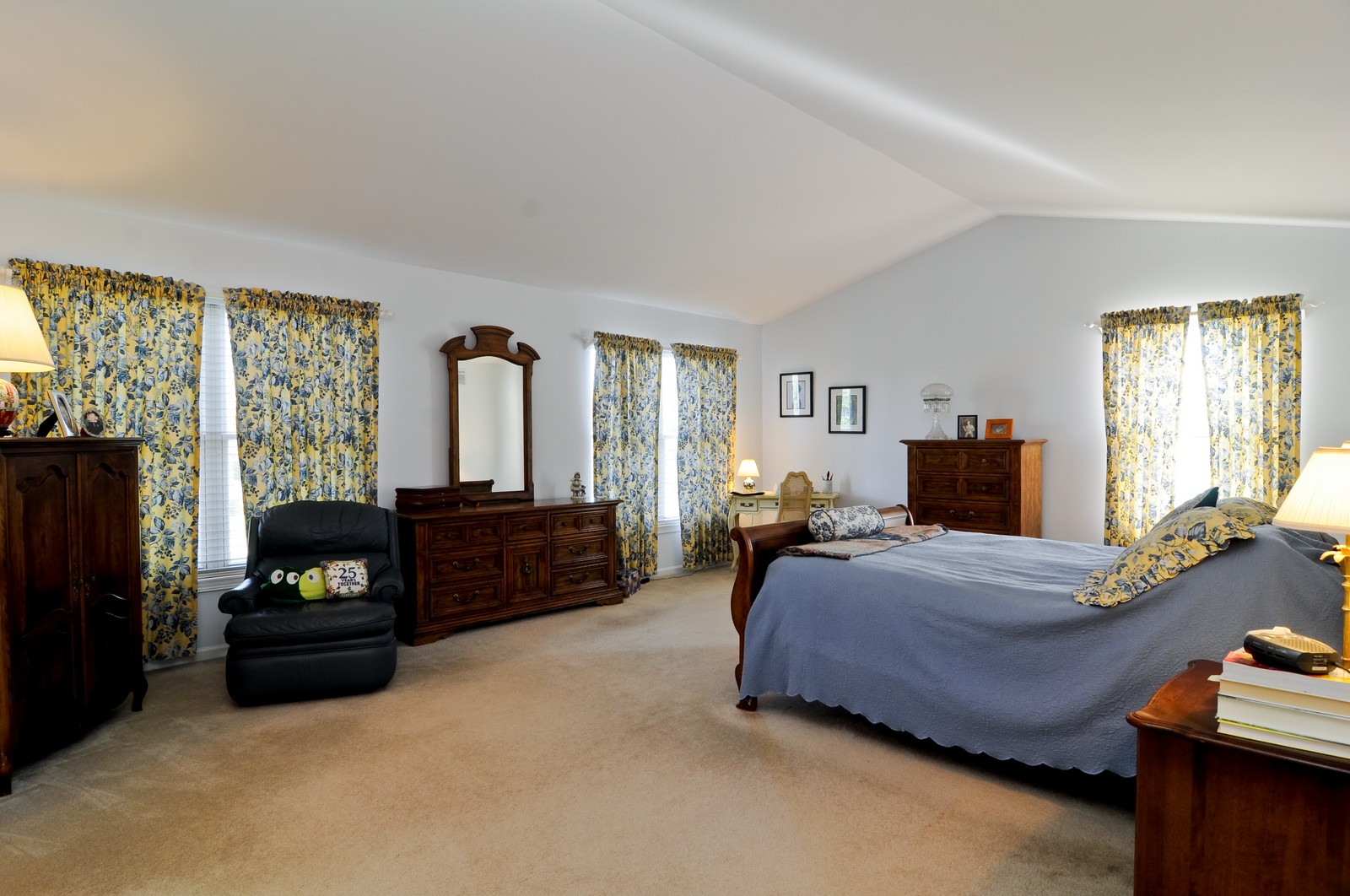 Real Estate Photography - 400 Kerry, Prospect Heights, IL, 60070 - Master Bedroom