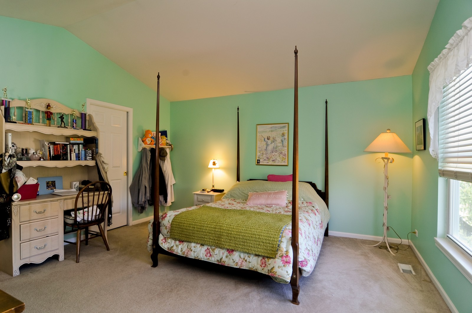 Real Estate Photography - 400 Kerry, Prospect Heights, IL, 60070 - 2nd Bedroom