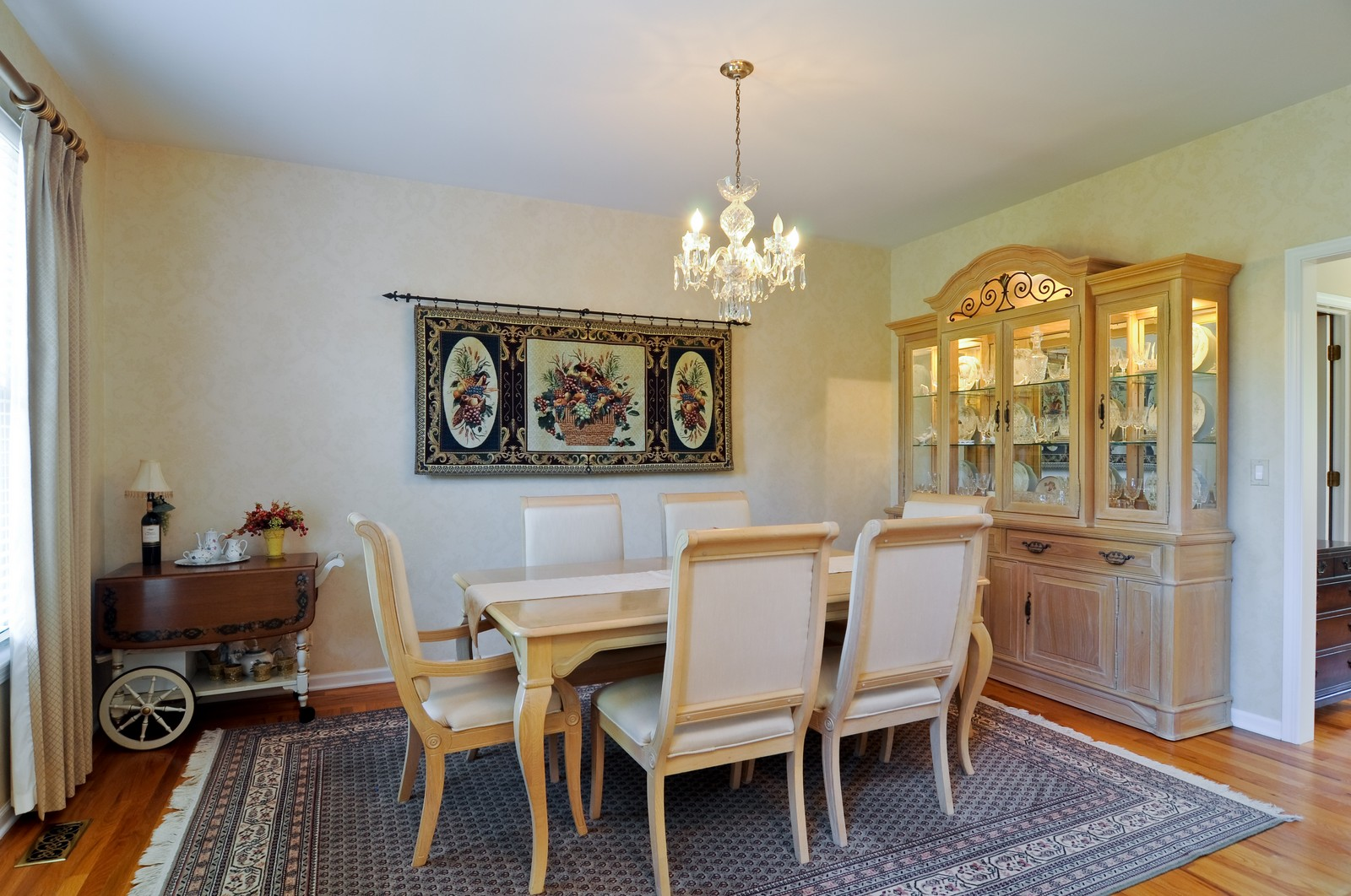 Real Estate Photography - 400 Kerry, Prospect Heights, IL, 60070 - Dining Room
