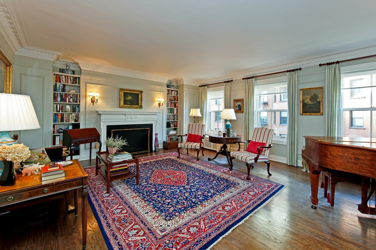 Real Estate Photography - 1209 N Astor, Unit 6S, Chicago, IL, 60610 - Living Room