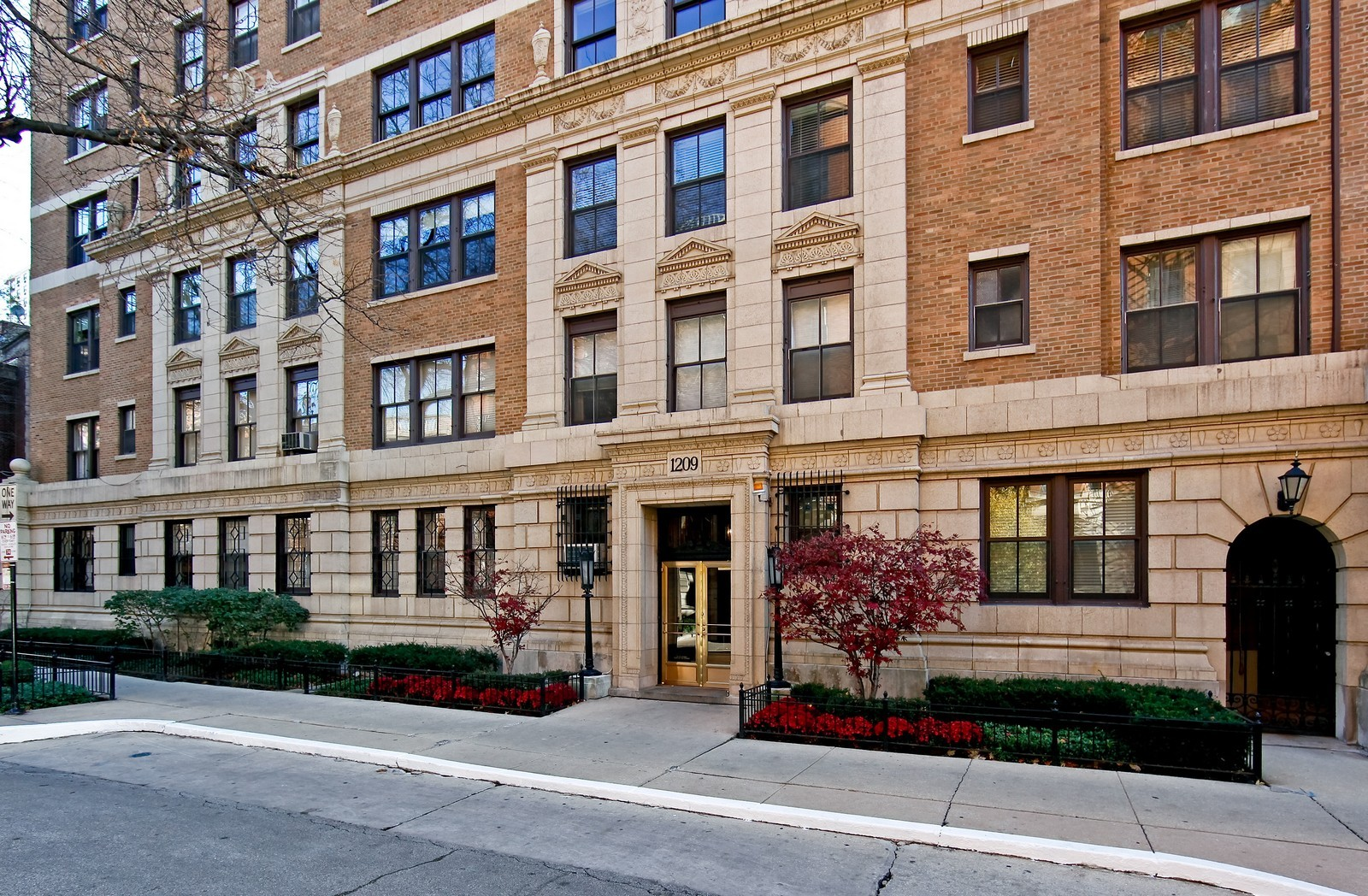 Real Estate Photography - 1209 N Astor, Unit 6S, Chicago, IL, 60610 - Front View