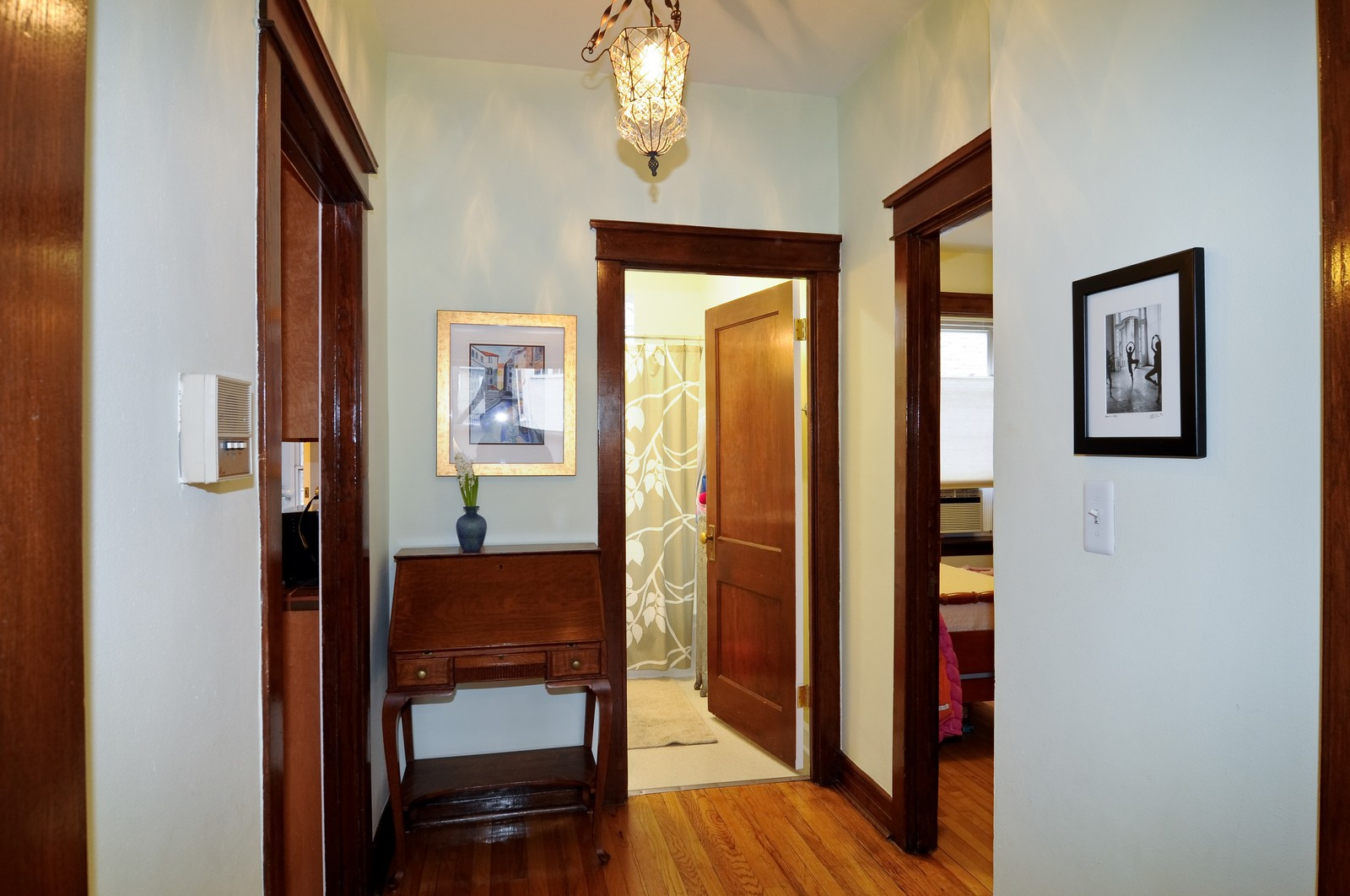 Real Estate Photography - 2548 N Seminary, Apt 1, Chicago, IL, 60614 - Hallway