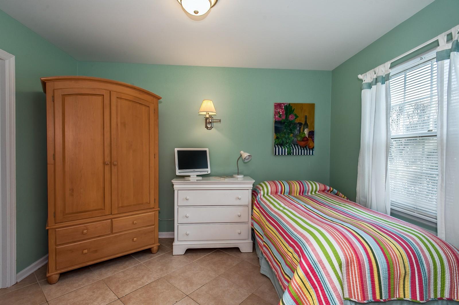 Real Estate Photography - 389 Bristol, Northfield, IL, 60093 - 3rd Bedroom