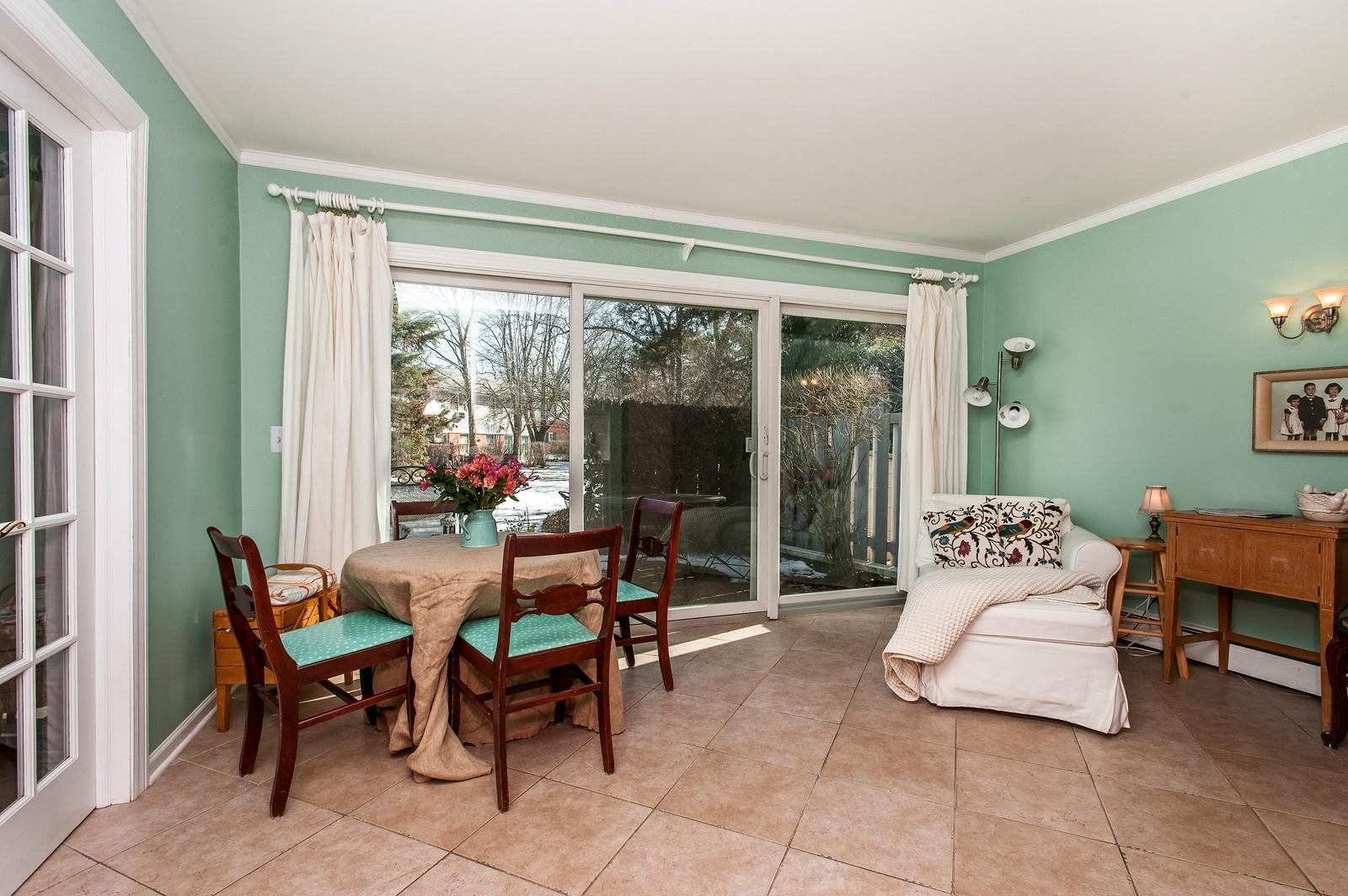 Real Estate Photography - 389 Bristol, Northfield, IL, 60093 - Family Room