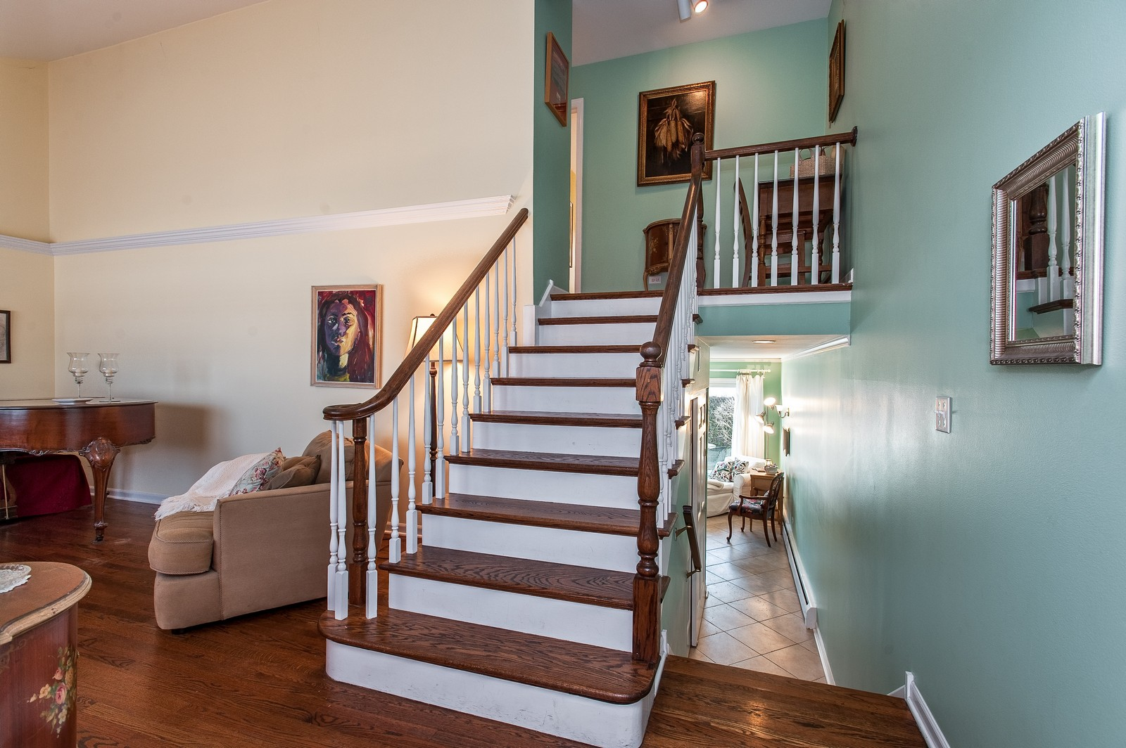 Real Estate Photography - 389 Bristol, Northfield, IL, 60093 - Foyer