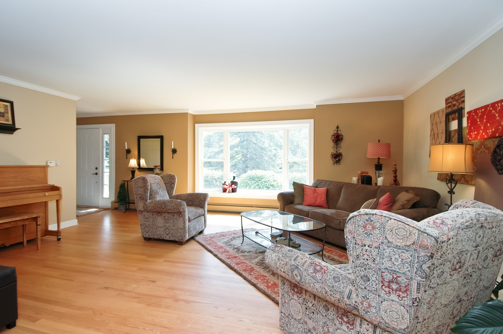 Real Estate Photography - 237 Vally Road, Cary, IL, 60013 - Living Room