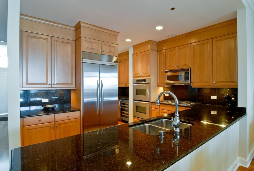 Real Estate Photography - 333 N Canal, Unit 3604, Chicago, IL, 60606 - Kitchen