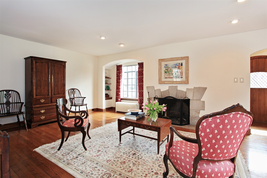 Real Estate Photography - 1417 Scott Ave, Winnetka, IL, 60093 - Living Room