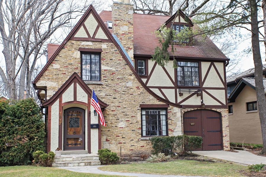 Real Estate Photography - 1417 Scott Ave, Winnetka, IL, 60093 - Front View
