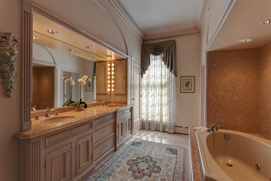 Real Estate Photography - 89 E Deerpath, Lake Forest, IL, 60045 - Master Bathroom
