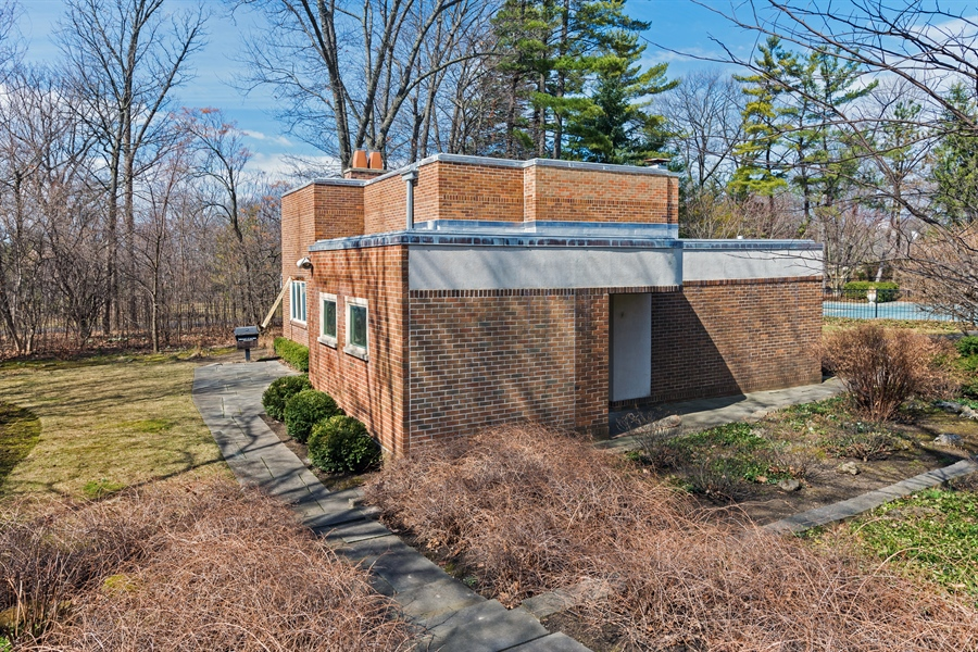 Real Estate Photography - 89 E Deerpath, Lake Forest, IL, 60045 - Studio