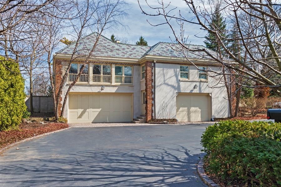 Real Estate Photography - 89 E Deerpath, Lake Forest, IL, 60045 - Carriage House