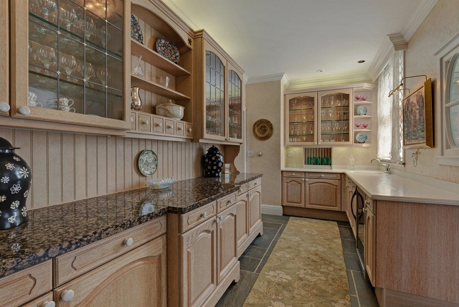 Real Estate Photography - 89 E Deerpath, Lake Forest, IL, 60045 - Butler's Pantry