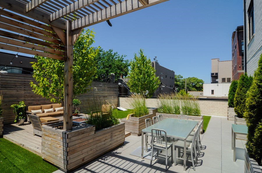 Real Estate Photography - 2138 N Damen, 2, Chicago, IL, 60647 - Terrace