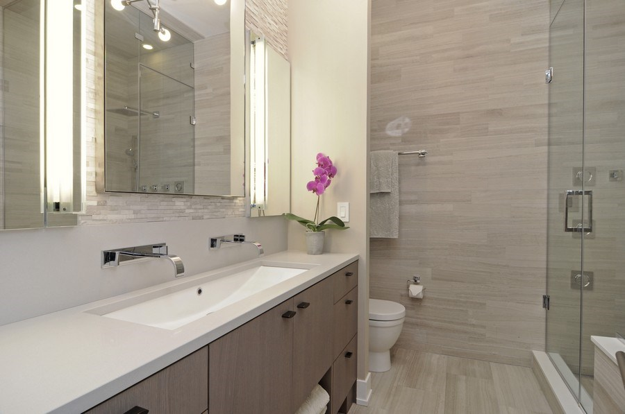 Real Estate Photography - 2138 N Damen, 2, Chicago, IL, 60647 - Master Bathroom