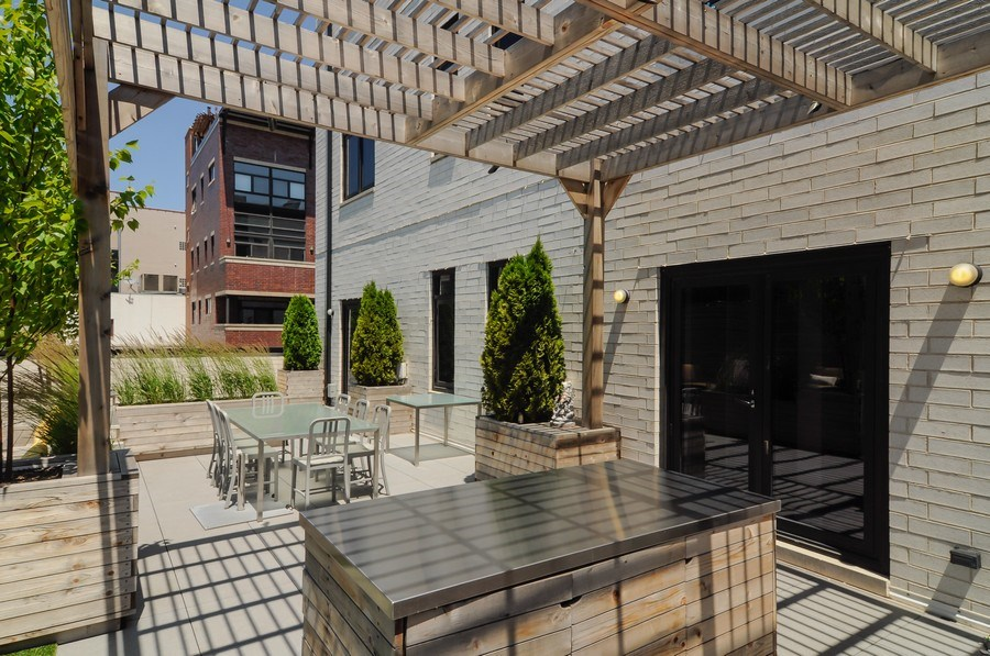 Real Estate Photography - 2138 N Damen, 2, Chicago, IL, 60647 - Terrace 2