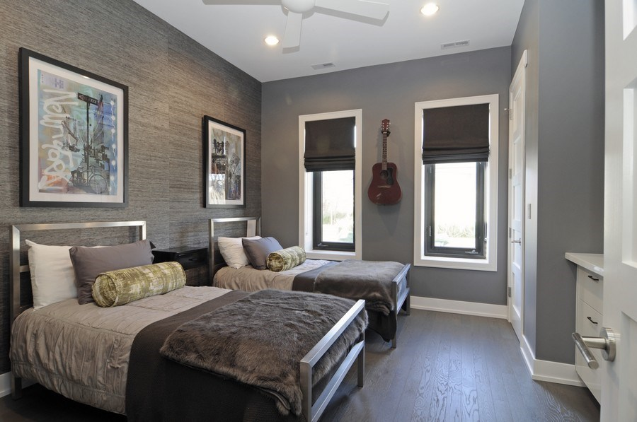 Real Estate Photography - 2138 N Damen, 2, Chicago, IL, 60647 - 2nd Bedroom