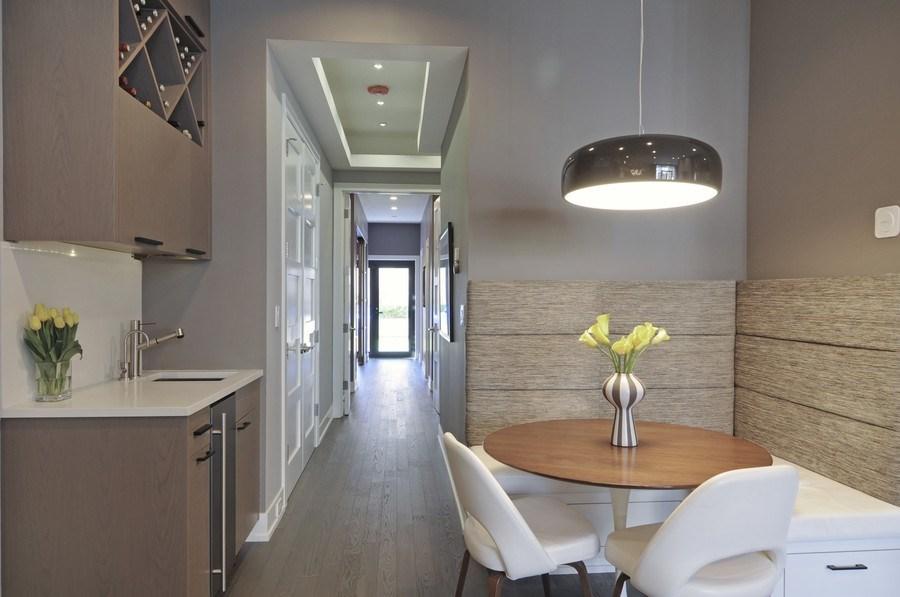 Real Estate Photography - 2138 N Damen, 2, Chicago, IL, 60647 - Kitchen / Breakfast Room