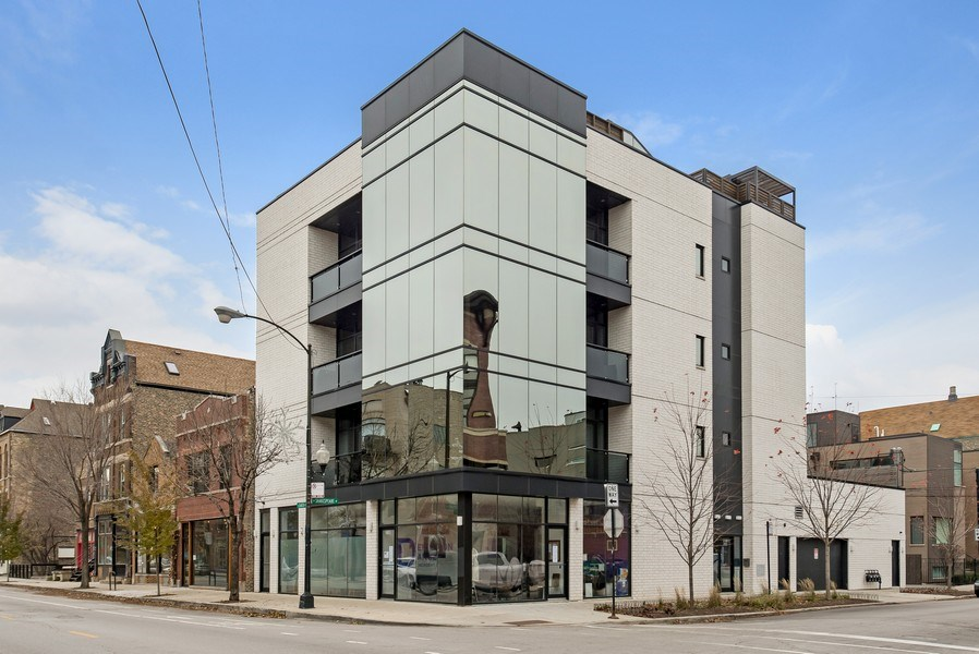 Real Estate Photography - 2138 N Damen, 2, Chicago, IL, 60647 - Front View
