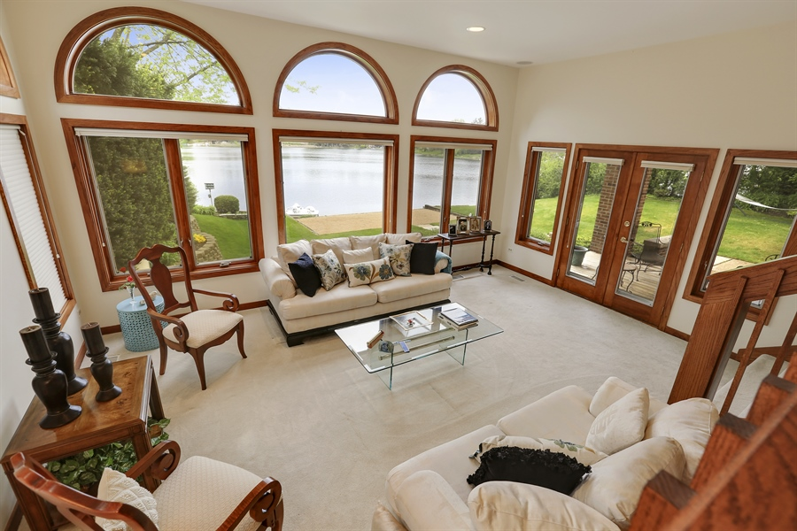 Real Estate Photography - 2090 W Touhy, Park Ridge, IL, 60068 - Living Room