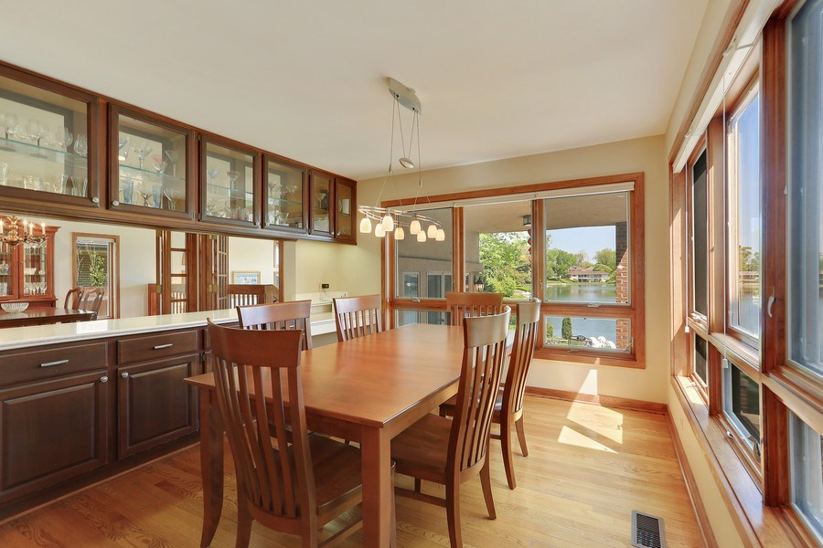 Real Estate Photography - 2090 W Touhy, Park Ridge, IL, 60068 - Large Open Spaces