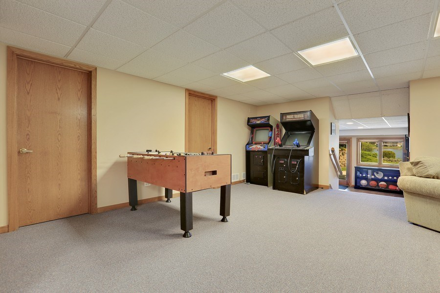 Real Estate Photography - 2090 W Touhy, Park Ridge, IL, 60068 - Recreation/Game Rm