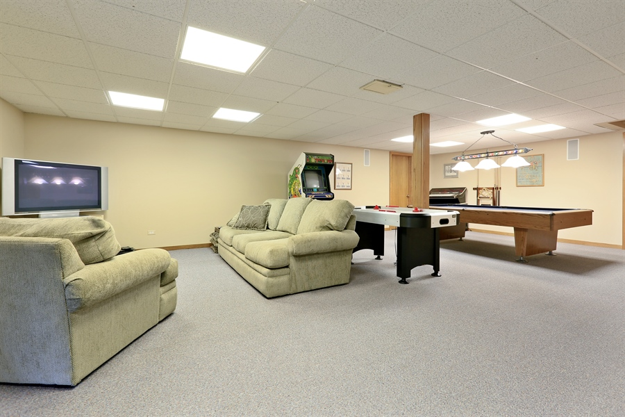 Real Estate Photography - 2090 W Touhy, Park Ridge, IL, 60068 - Recreation Room