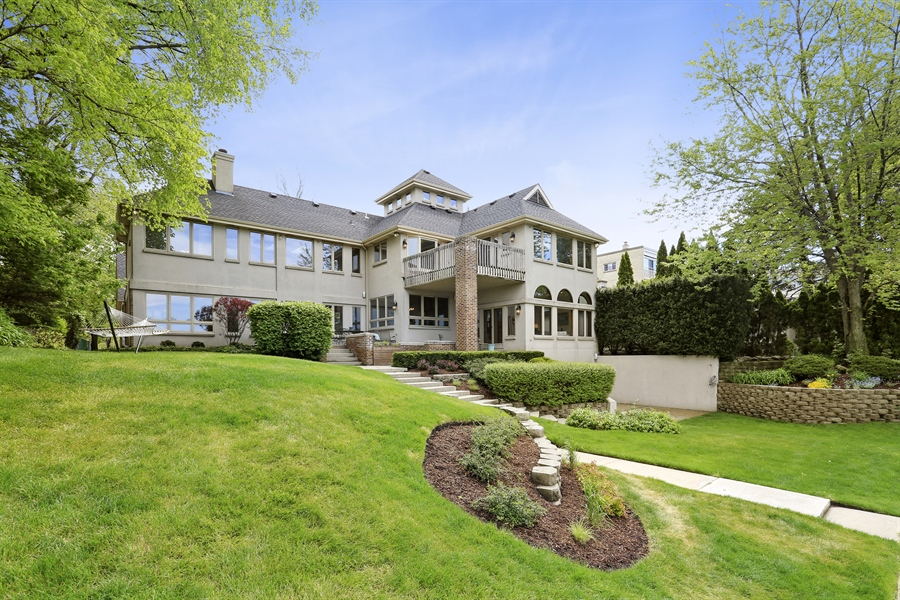 Real Estate Photography - 2090 W Touhy, Park Ridge, IL, 60068 - Rear View