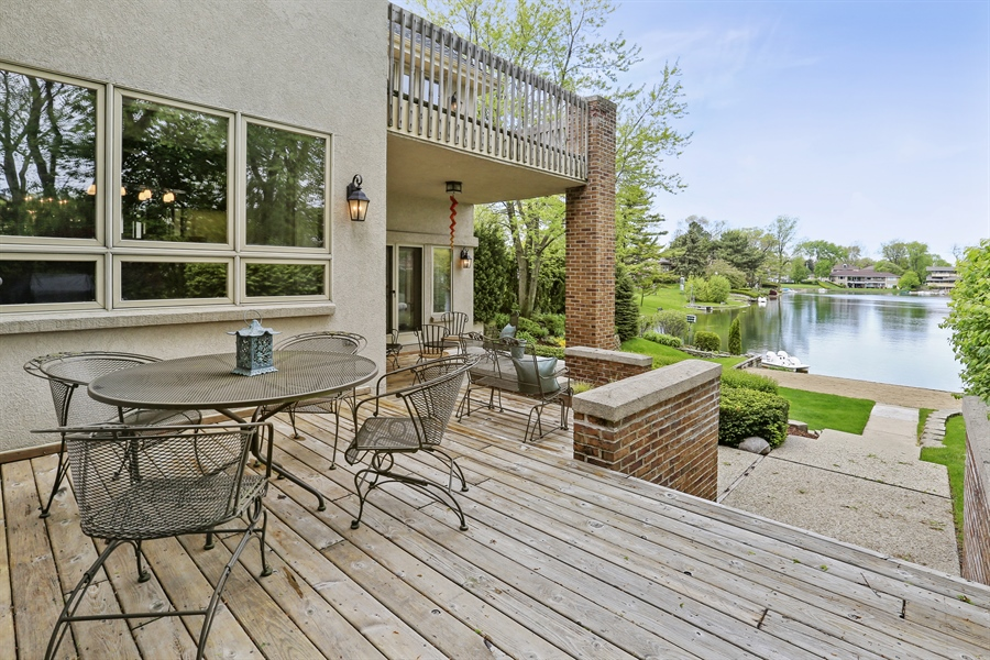 Real Estate Photography - 2090 W Touhy, Park Ridge, IL, 60068 - 3 Levels of Decking + Patio