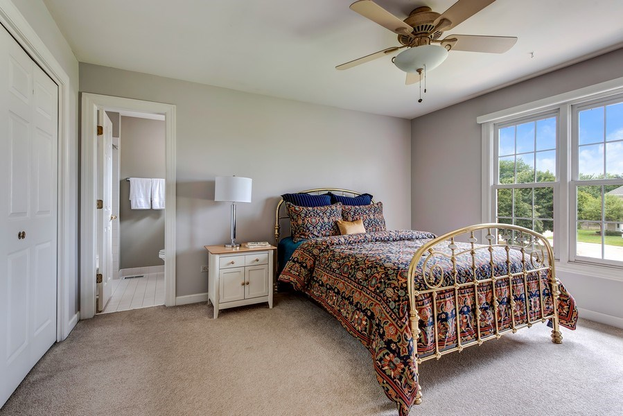 Real Estate Photography - 2126 Chandler Ln, Glenview, IL, 60026 - 2nd Bedroom ensuite
