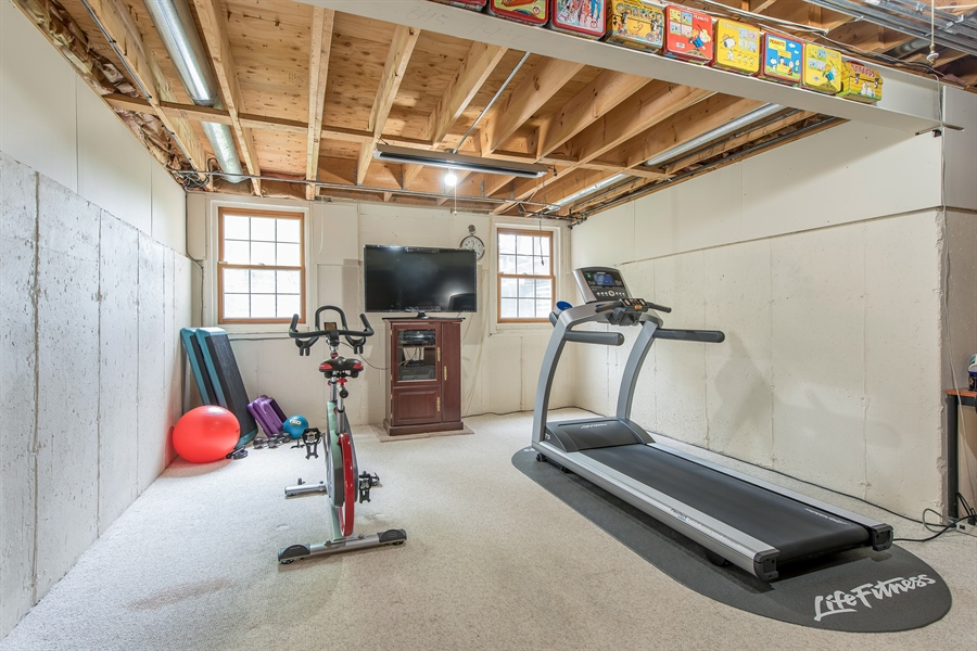 Real Estate Photography - 2126 Chandler Ln, Glenview, IL, 60026 - Exercise Room