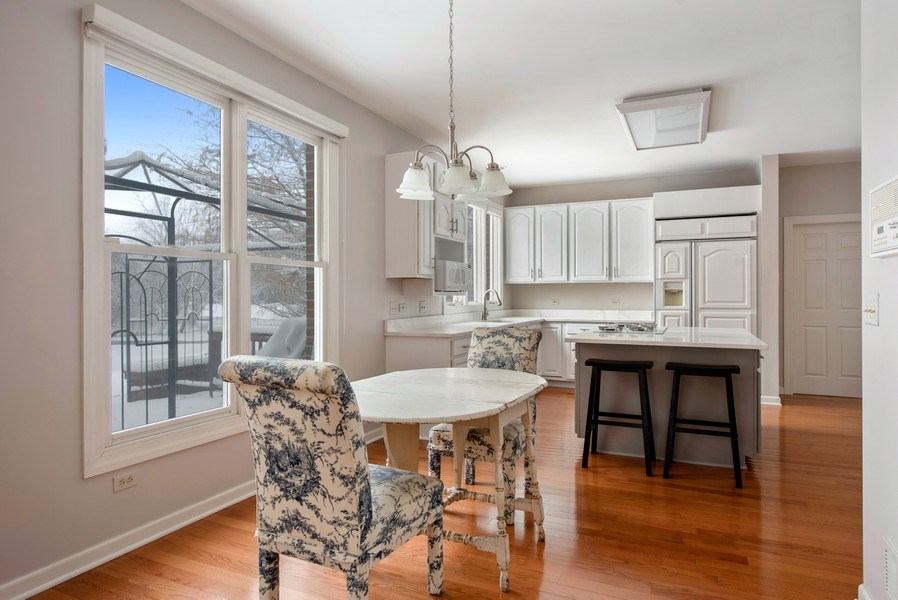 Real Estate Photography - 2126 Chandler Ln, Glenview, IL, 60026 - Kitchen / Breakfast Room