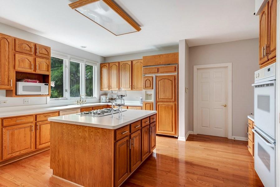 Real Estate Photography - 2126 Chandler Ln, Glenview, IL, 60026 - Kitchen