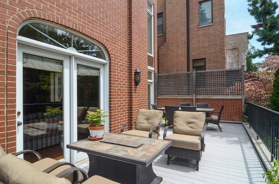 Real Estate Photography - 1027 W Lill, Chicago, IL, 60614 - Terrace