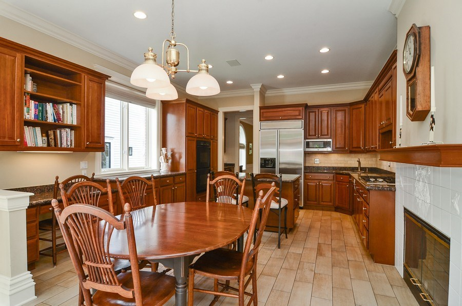 Real Estate Photography - 1027 W Lill, Chicago, IL, 60614 - Kitchen