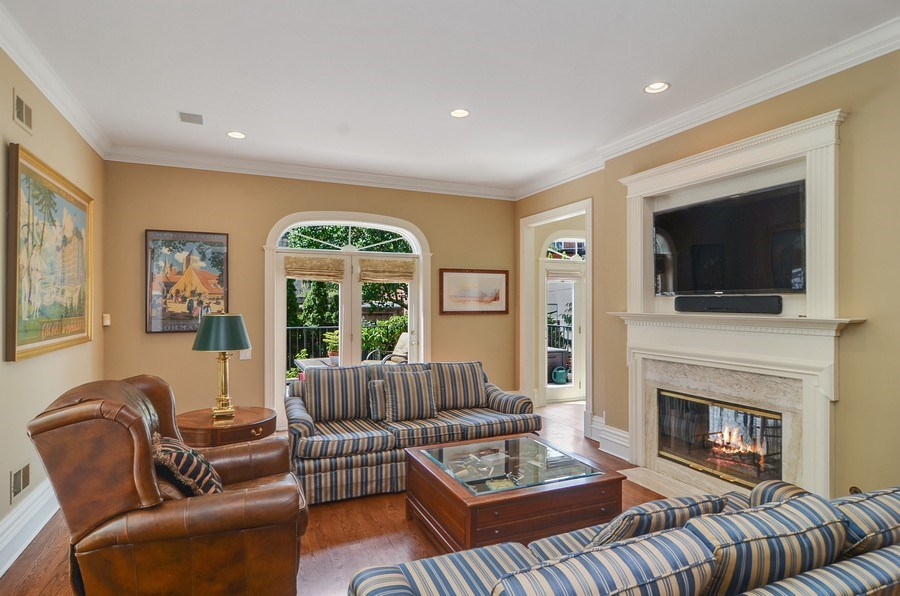 Real Estate Photography - 1027 W Lill, Chicago, IL, 60614 - Family Room