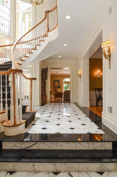 Real Estate Photography - 1027 W Lill, Chicago, IL, 60614 - Foyer