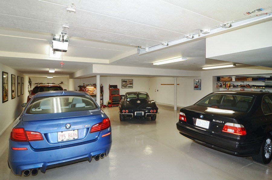 Real Estate Photography - 1027 W Lill, Chicago, IL, 60614 - Garage