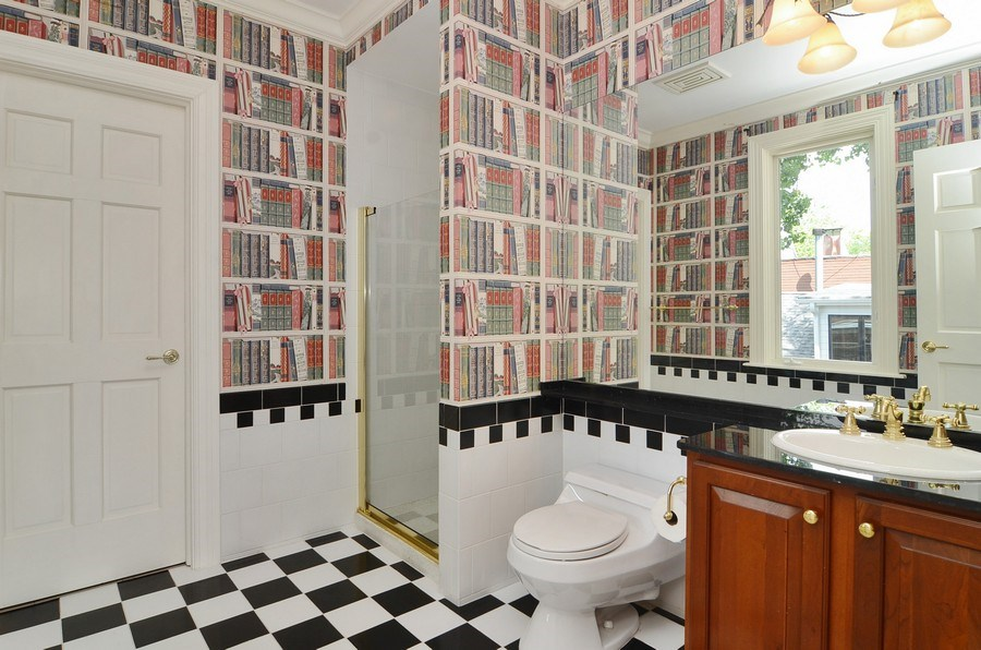 Real Estate Photography - 1027 W Lill, Chicago, IL, 60614 - Bathroom