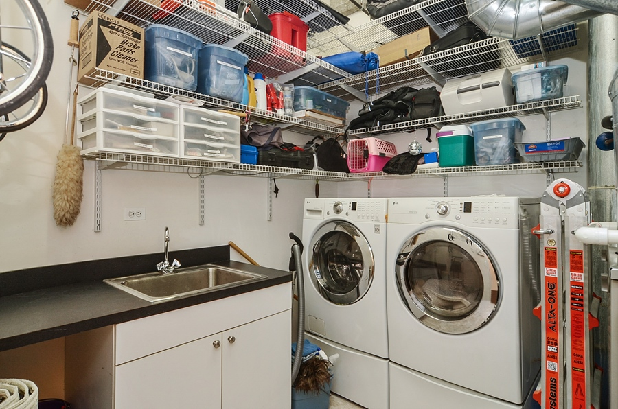 Real Estate Photography - 850 W Adams, 6C, Chicago, IL, 60607 - Laundry Room