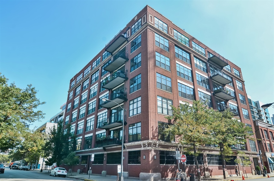 Real Estate Photography - 850 W Adams, 6C, Chicago, IL, 60607 - Front View