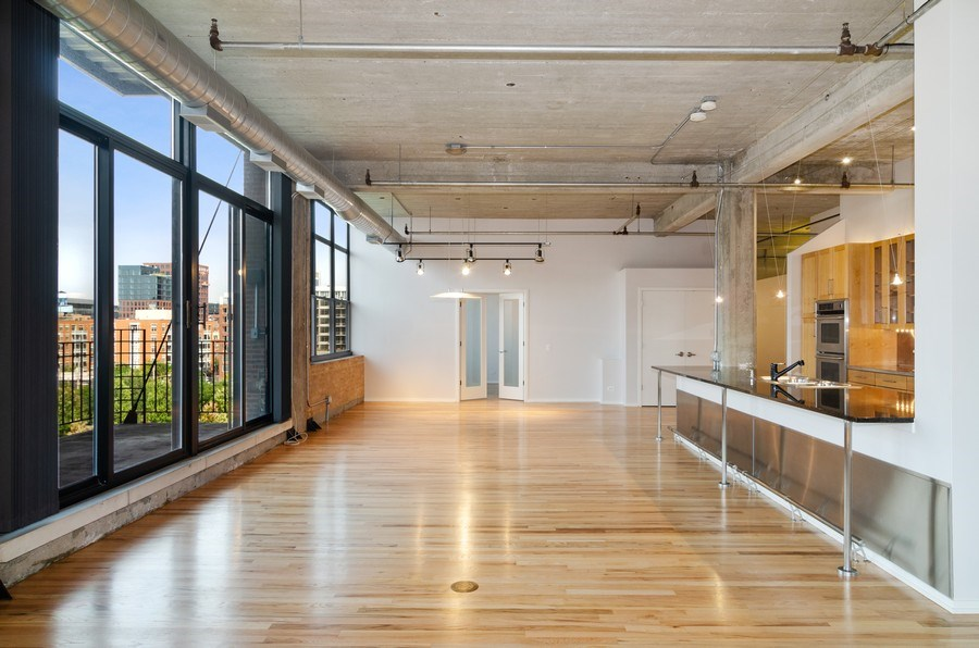 Real Estate Photography - 850 W Adams, 6C, Chicago, IL, 60607 - Kitchen/Dining