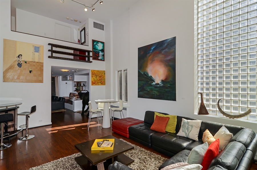 Real Estate Photography - 1328 State Parkway, Chicago, IL, 60611 - Family Room