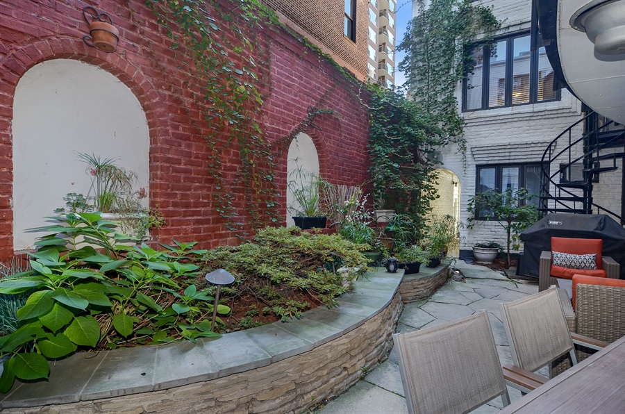 Real Estate Photography - 1328 State Parkway, Chicago, IL, 60611 - Patio