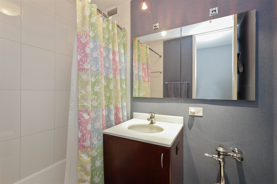 Real Estate Photography - 330 W Diversey, Apt 2308-2309, Chicago, IL, 60657 - Bathroom