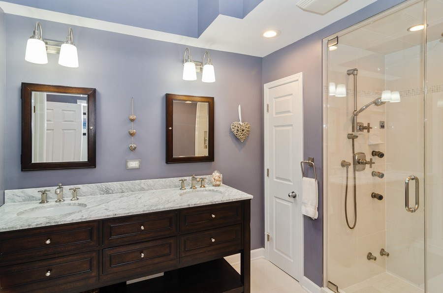 Real Estate Photography - 1914 N. Sheffield Ave., 1, Chicago, IL, 60614 - Master Bathroom