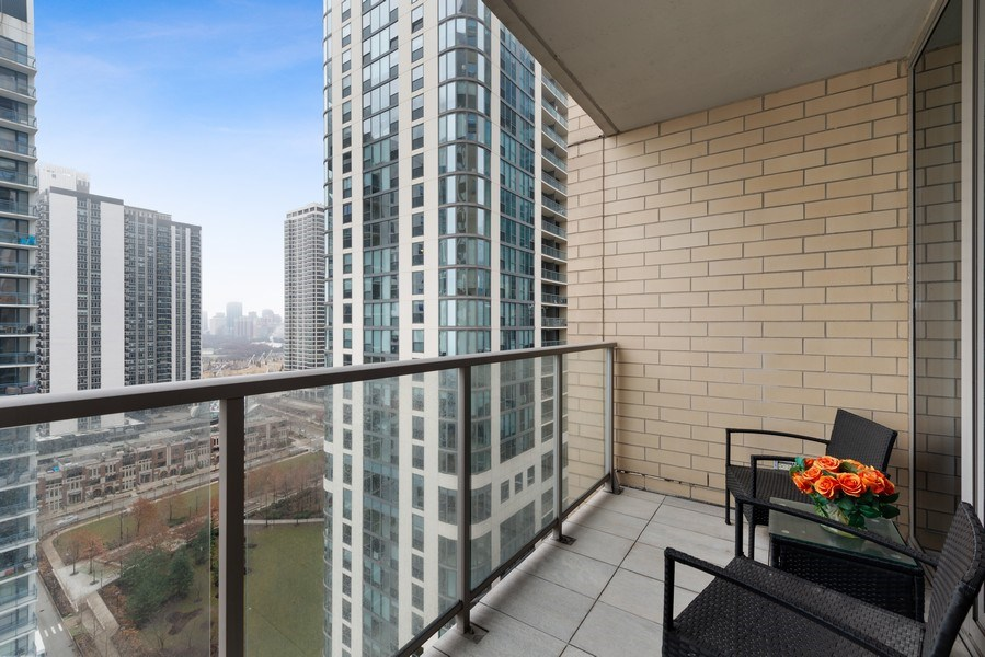 Real Estate Photography - 420 E Waterside Dr, 1502, Chicago, IL, 60601 - Terrace
